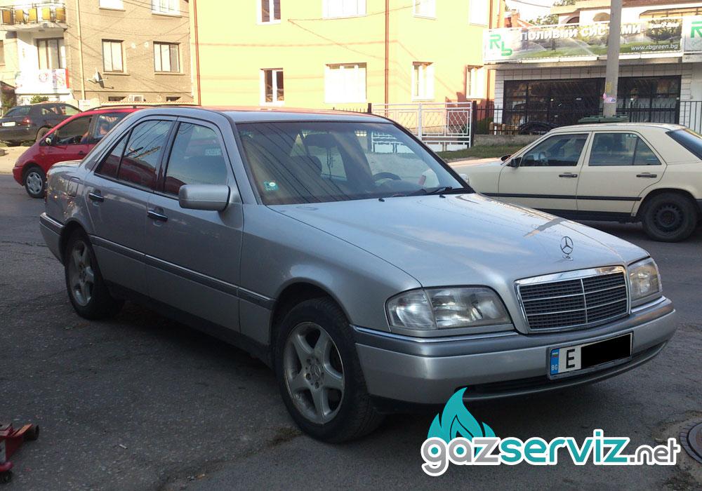 Поставяне на газов инжекционBardolini на Mercedes C200 състороидална бутилка ( тип резервна гума ).