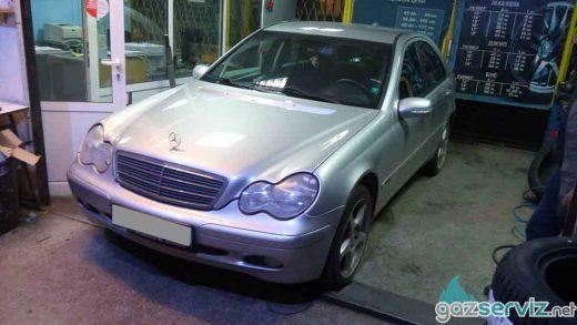 Mercedes C180 с газова уредба Digitronic газ сервиз софия