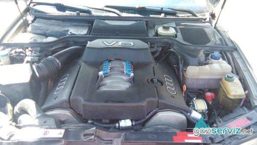 Audi A8 4.2 300 к.с.с газов инжекцион
